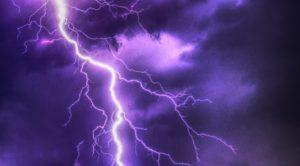 tormenta con aparato eléctrico